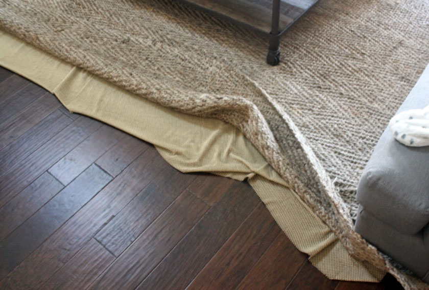 Your rug pad will be custom-cut to the size of your rug. – We'll make sure  the pad is a few inches smaller than the rug to make sure it remains hidden. - Oriental Rug Pad For Hardwood Floors - Rubber Felt Pad